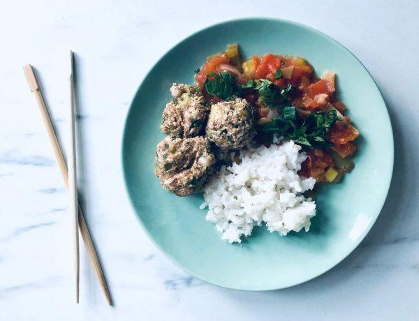 boeddhistische maaltijd met tofu