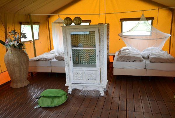 overnachten in retraite tent